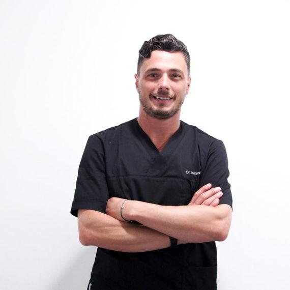 Dr. Giovanni Salvetti dello Studio Dentistico Dott. Giovanni Salvetti - Studio Dentistico a Marina di Carrara